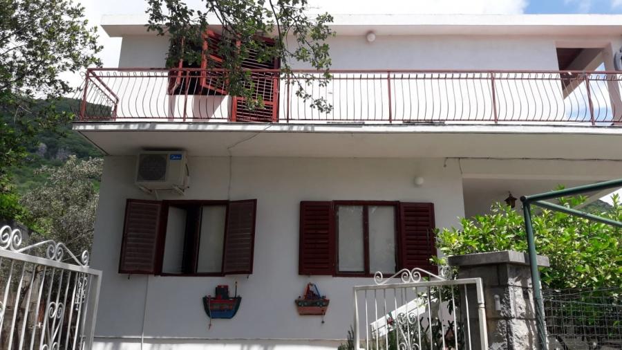 trosobni apartman blizu Budve, sebeljski put bb
