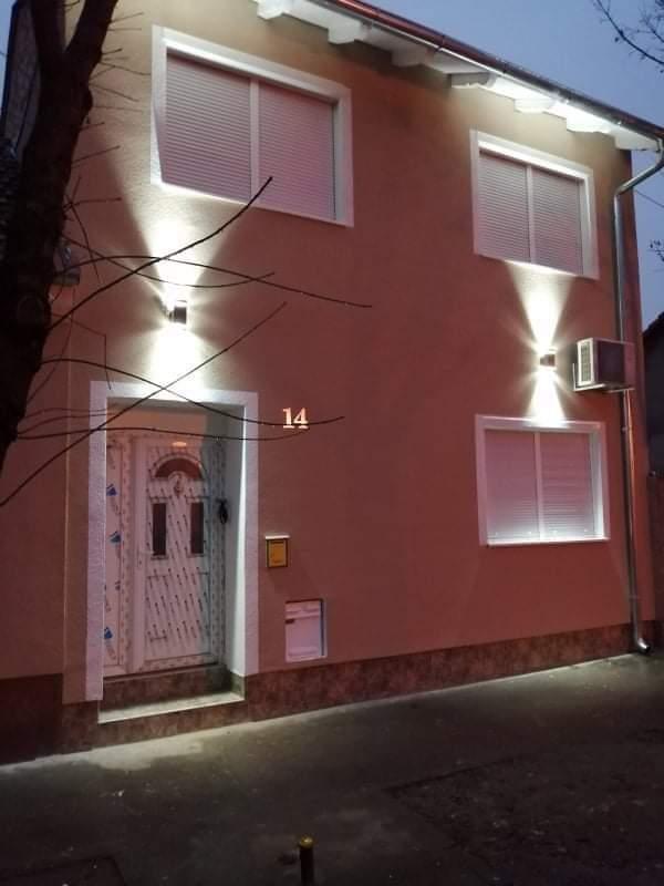 Apartmani Barbat, Branka Vujina 14