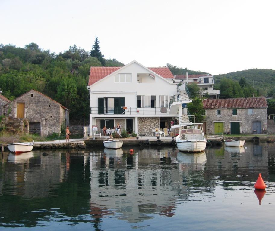 Apartmani Bjelila, Bjelila bb, Bjelila - Krašići, Tivat, Bokokotorski zaliv, Crna Gora.