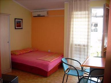 Apartmani Filip u Šušnju kod Bara, Ul.Jovana Jovanovica Zmaja br.16Susanj-Bar Crna Gora
