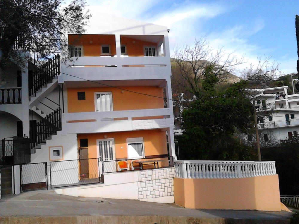 Apartmani i Sobe Zecevic