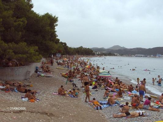 APARTMANI pored plaže