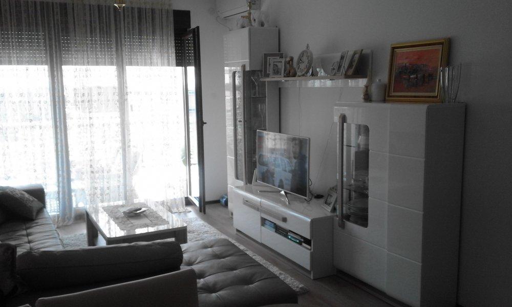 Izdavanje soba i apartmana-Budva, Crna Gora, Jadranski put bb