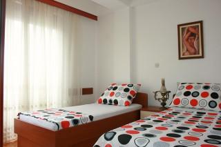 Apartman Stefan, Ohrid, Centar Ohrida, pored same zgrade Skupstine Opstine Ohrid, osamdesetak metara od Keja na jezeru i starog dela grada