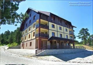 Apartmani smeštaj, Tara, Apartman TARSKI BISER je  novoizgrađeni apartman na Tari, namenjen za pravi odmor i uživanje  njenih posetilaca. Nalazi se na Kaluđerskim Barama, na i