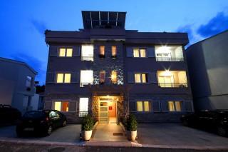 Apartmani smeštaj, Petrovac, ULICA VI broj 6