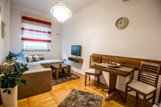 Arena Apartmani - Marmelo Apartman, Novi Sad, Mite Ružića 1