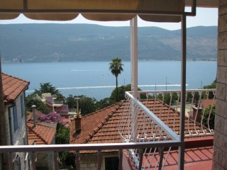 Apartmani smeštaj, Herceg Novi, Njegoseva 152,Topla II,iznad plaze Topla,Herceg Novi