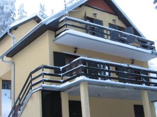 Crni vrh, Divčibare, Centar 50m od ski staze