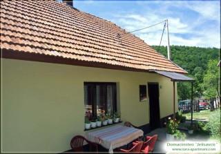 Apartmani smeštaj, Tara, Zaseok Jelisavcic, u Zaovinama na planini Tari.