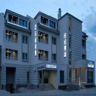 Hoteli smeštaj, Kruševac, Hotel Golf se nalazi u ulici Gavrila Principa br. 74. Hotel je udaljen 200km od Beograda, 80km od Nisa, 25km od izletista i planine Jastrebac i 2km o