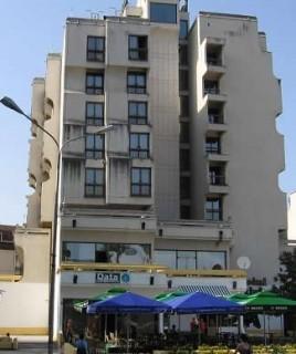 Hoteli smeštaj, Priboj, Holtel LIM smešten je u dolini istoimene reke, na pola puta Beograd - Jadransko more, u prelepom prirodnom ambijentu, u ulici Veljka Vlahovica