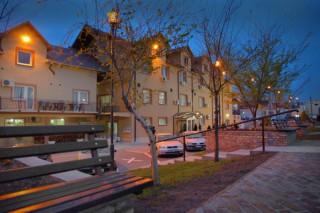Hoteli smeštaj, Stara Pazova, Hotel VOJVODINA se nalazi u ulici Kamenjareva br. 38.