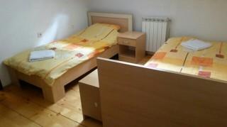 Izdajem apartman 105 m2