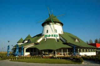 Moteli smeštaj, Vršac, Na magistralnom putu Beograd - Temišvar na ulasku u Vršac iz pravca Beograda nalazi se motel VETRENjAČA.