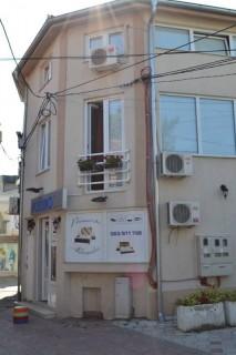 Apartmani smeštaj, Kragujevac, Prenociste se nalazi u pesackoj zoni centra grada, u ulici Lole Ribara br. 6.