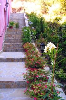 Vile smeštaj, Sokobanja, Vila OZREN se nalazi na samo minut hoda od centra Sokobanje.